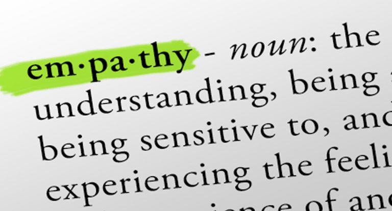 A gritos con la empatía.